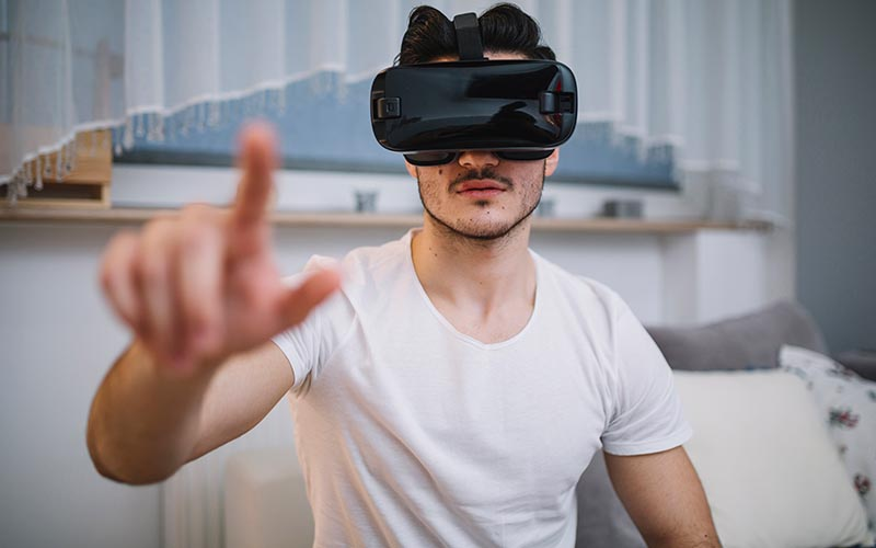 The Uses Of VR Technology - Kenkarlo.com